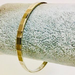Monet © Gold Bangle w/Ridged lines & squares NWOT